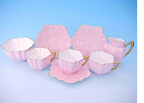 Wileman Daisy pink cupssaucers milk jug and sugar bowl.