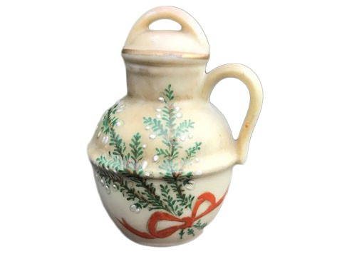 Miniature Urn Lucky White Heather