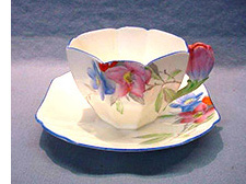 Shelley queen anne flower handle cup and saucer syringa pattern